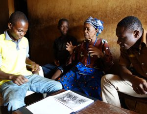 Photo elicitation research in Okpekpe, North Edo. Photograph by Paul Basu.