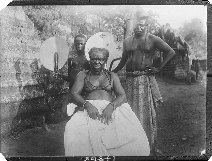 Chief Ero, Benin City, 1909. Photograph by N. W. Thomas. (NWT 44; RAI 400.17868)