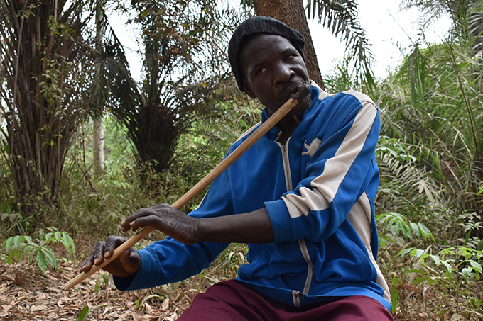 Hassan Jalloh, flute player from Bendugu, Sambaya Chiefdom, Sierra Leone.