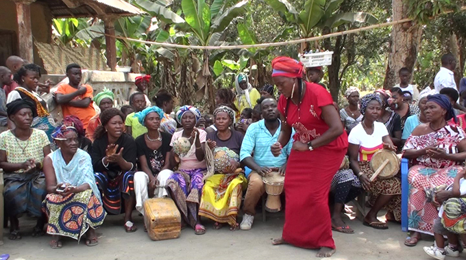 Digba Nasoko Turay and Bondo society women at Matotoka, Sierra Leone