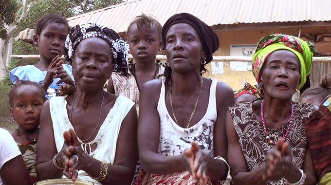 Women singers at Sendugu, Sanda Tendaren Chiefdom, Sierra Leone