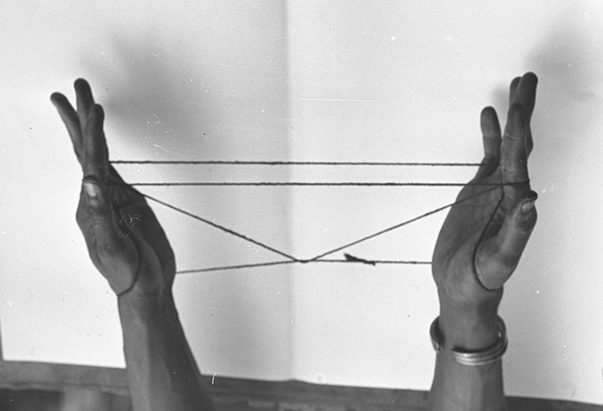 Northcote Thomas photograph, String Game, NWT 2836a