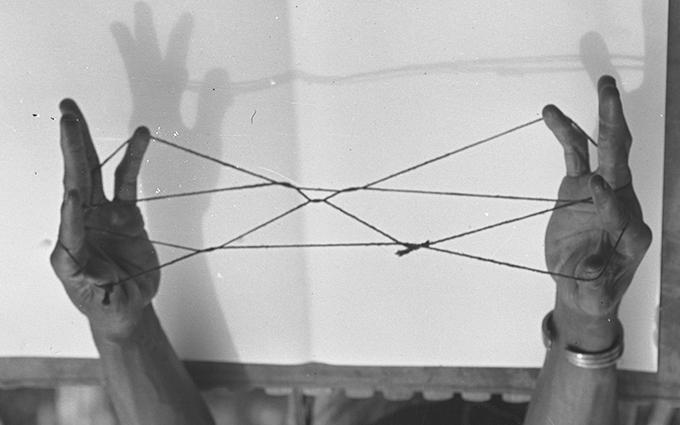 Northcote Thomas photograph, String Game, NWT 2838