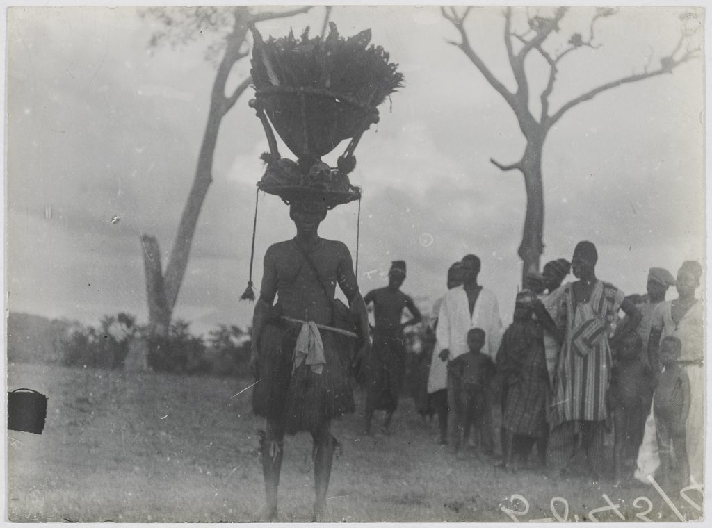 'Pa Kashe' photographed by Northcote Thomas in Mabonto, Sierra Leone in 1914